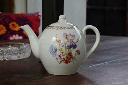 Picture of VINTAGE TEAPOT